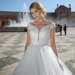 Olivia Picasso Wedding Dress (Model Adelaida 766)
